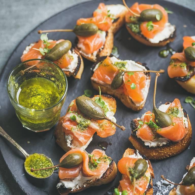 Bouchées façon croque-monsieur saumon-pesto
