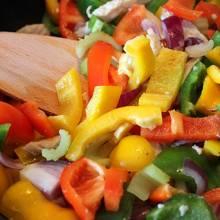 Des légumes rissolés dans les sucs de cuisson de la viande rôtie.
