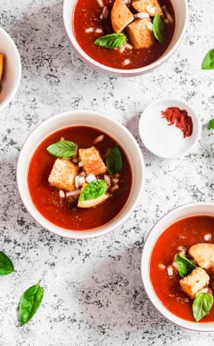 Gaspacho de tomates |aux deux basilics